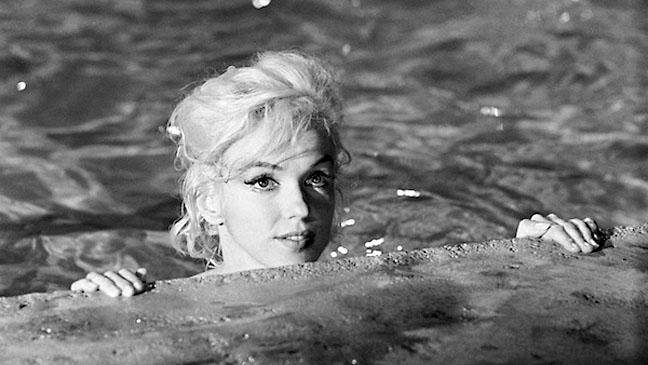 Marilyn Monroe Pool Black and White - H 2011