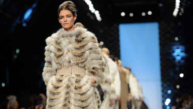 Milan Fashion Week Model Runway Fur - H 2011