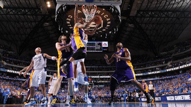 NBA Los Angeles Lakers Action Shot - H 2011