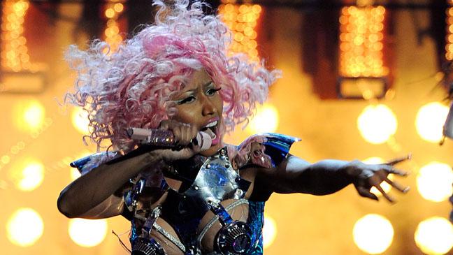 Nicki Minaj AMA Performance Pink Hair - H 2011