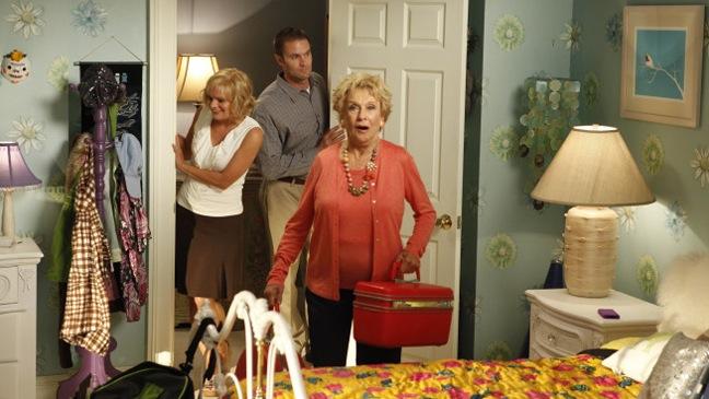 Raising Hope - TV Still: Martha Plimpton, Garret Dillahunt, Cloris Leachman - H - 2011