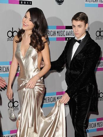 Selena Gomez Justin Bieber Dress Hold - P 2011