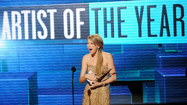 Taylor Swift AMA Artist Year - H 2011