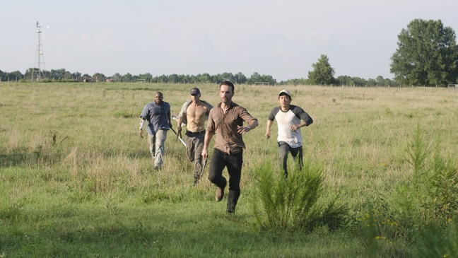 The Walking Dead - TV Still: Season 2, Episode 2 - Running in Field - H - 2011
