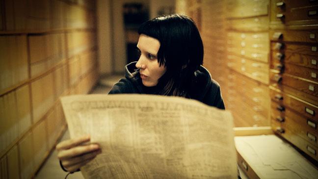 Girl with the dragon Tattoo Rooney Mara Newspaper - H 2011