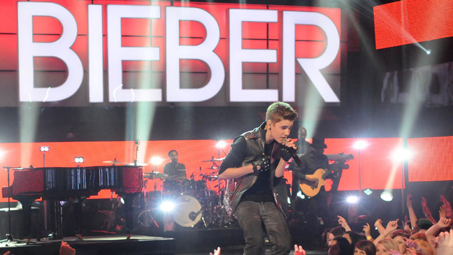 Justin Bieber Holiday Special- H 2011