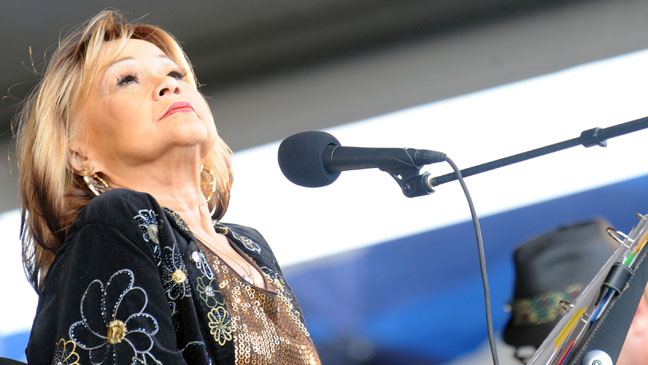 Etta James Performing On Stage - H 2012