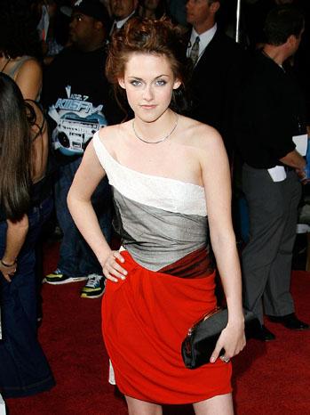 Kristen Stewart First Twilight Premiere - P 2012