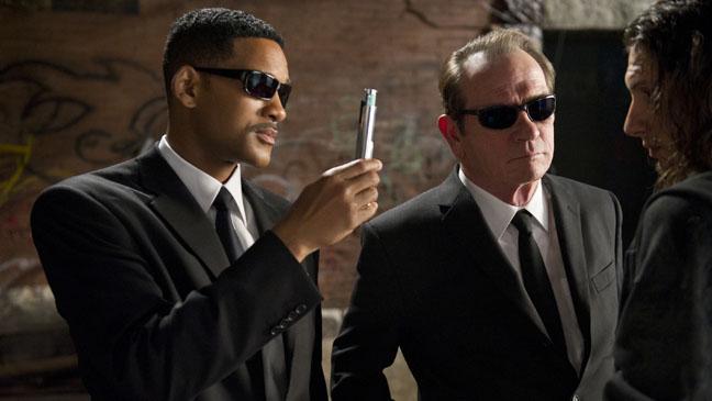 Men In Black 3 Will Smith Tommy Lee Jones erasing memory - H 2012