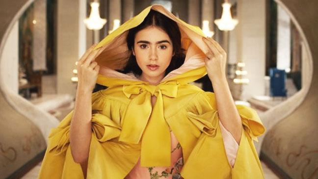 Mirror Mirror Lily Collins Yellow Cape - H 2012