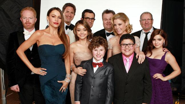 69th Golden Globes Modern Family Cast - H 2012