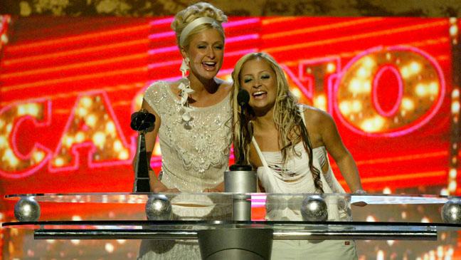 Paris Hilton Nicole Richie Billboard Awards 2003 - H 2012