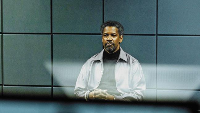 Safe House Denzel Washington in room - H 2012