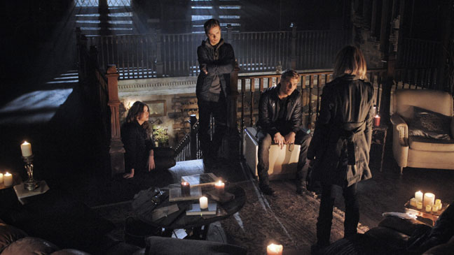 The Secret Circle EP Witness Cast in Candlelight - H 2012
