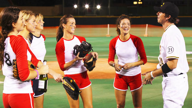 The Bachelor EP1605 Girls in Baseball Field - H 2012