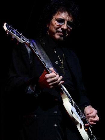 Tony Iommi Black Sabbath Playing - P 2012