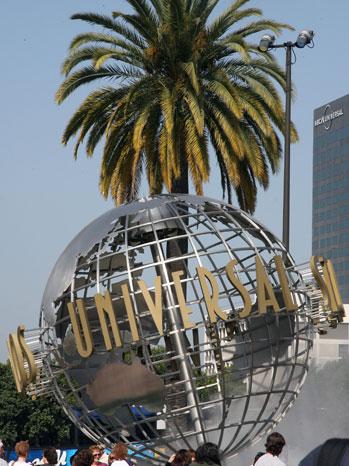Universal Studios Entrance Globe - P