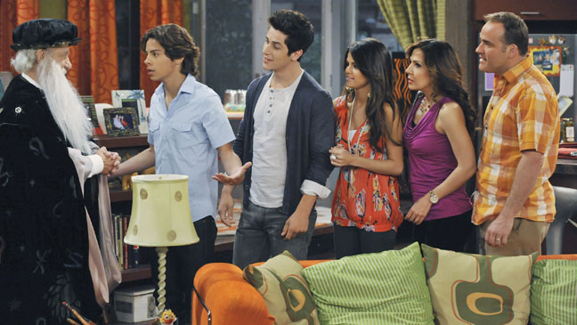 Wizards of Waverly Place TV Still - H 2012