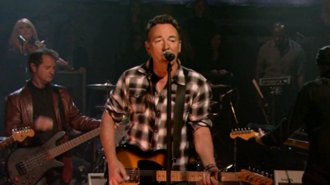 """Bruce Springsteen Performs """"Wrecking Ball"""" on 'Late Night with Jimmy Fallon'"""