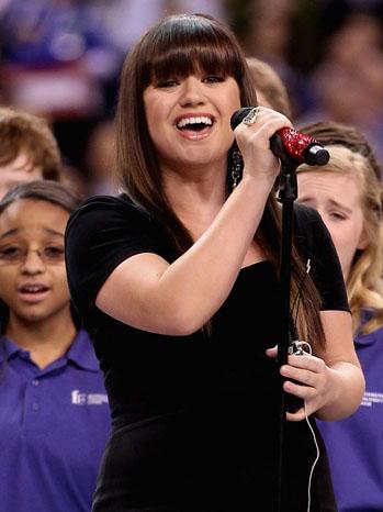 Kelly Clarkson Super Bowl 2012