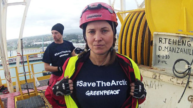 Lucy Lawless Green Peace - H 2012