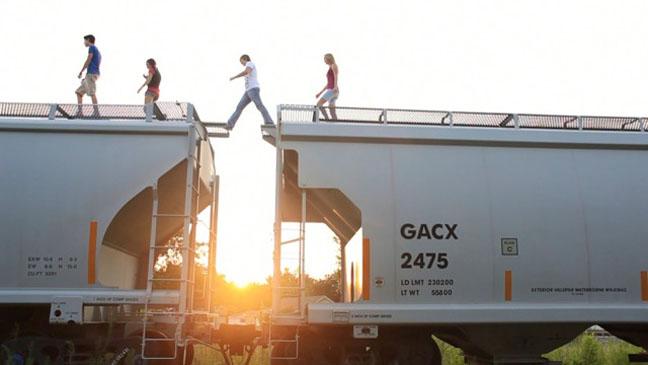 Bully Train Jumping Still - H 2012