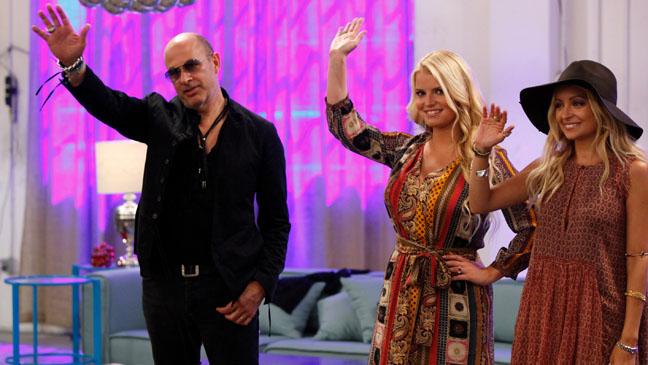 Fashion Star Judges Waving - H 2012