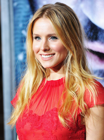 The Grey Premiere Red Carpet Kristen Bell - P 2012