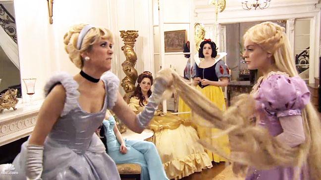 SNL Real House Wives Disney Princesses Lindsay Lohan Kristin Wiig - H 2012
