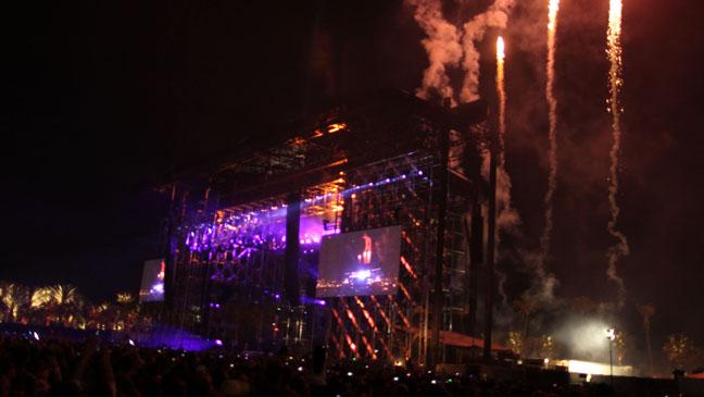 Coachella Atmosphere Stage Fireworks - H 2012