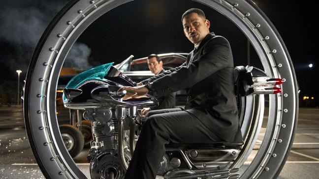 Men in Black 3 Will Smith on Machine - H 2012