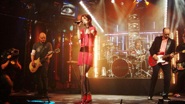 Garbage Performing - H 2012