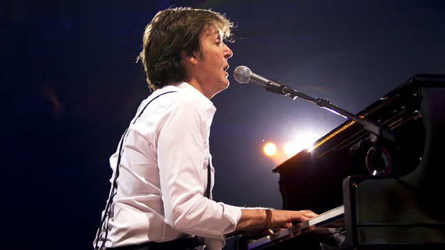 Paul McCartney Performing 2012 - H 2012