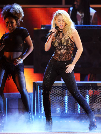 12th Annual Latin Grammys Shakira Performance 2011 - P 2012