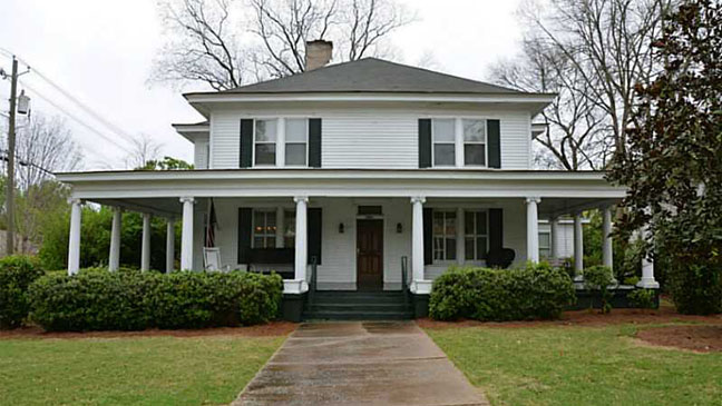 The Vampire Diaries House Exterior - H 2012