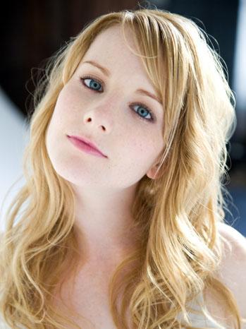 Melissa Rauch Headshot - P 2012