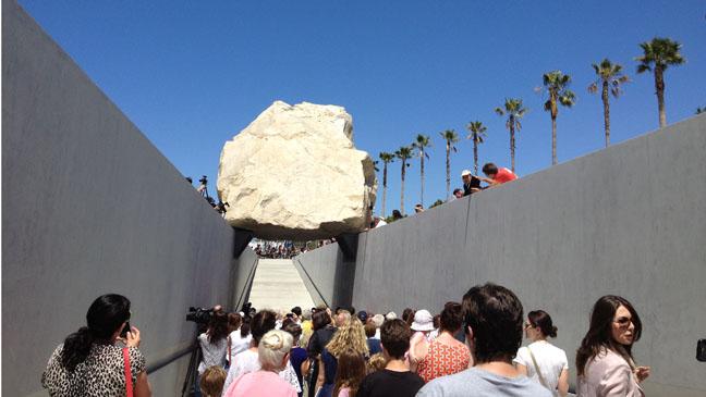 Michael Heizer Levitated Mass LACMA