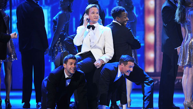 Tony Awards Neil Patrick Harris on stage - H 2012