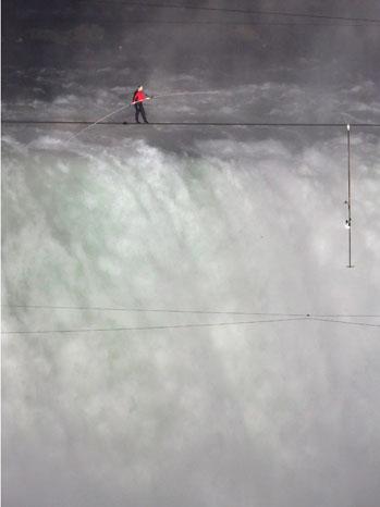 Nik Wallenda Niagara Falls 2012