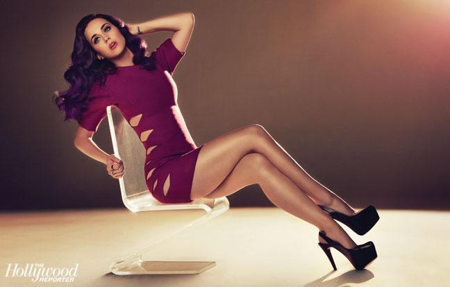 2012-23 FEA Perry Katy Perry Main Seated H IPAD