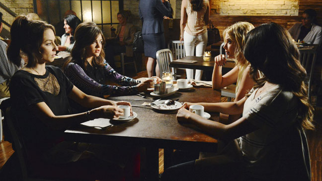 Pretty Little Liars Birds of a Feather - H 2012
