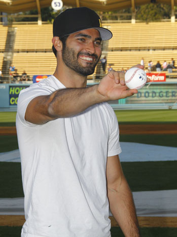 Teen Wolf' Star Tyler Hoechlin Takes the Mound at Dodgers Stadium (Photos)  | Hollywood Reporter