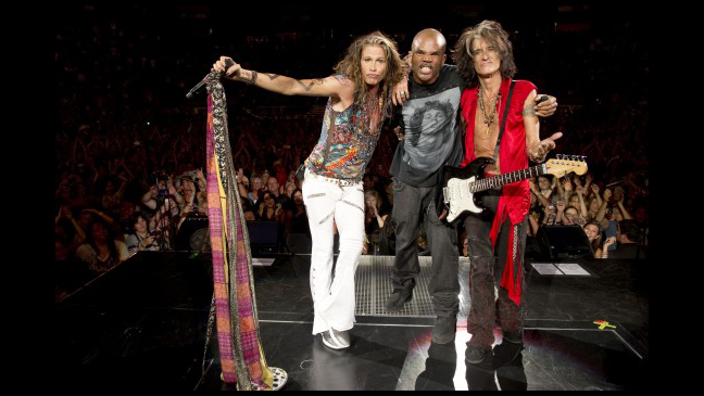 Aerosmith Run D M C S Darryl D M C Mcdaniels Reunite For Walk This Way Video Hollywood Reporter