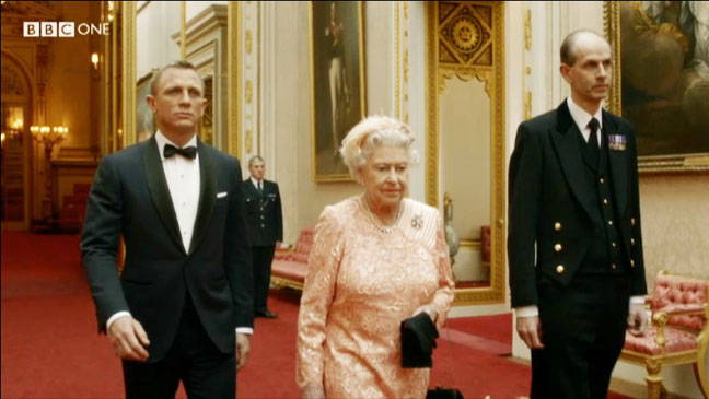 Queen Elizabeth James Bond Olympic Opening Ceremony - H 2012