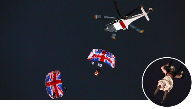 Queen Elizabeth Parachuting Olympic Games Inset - H 2012