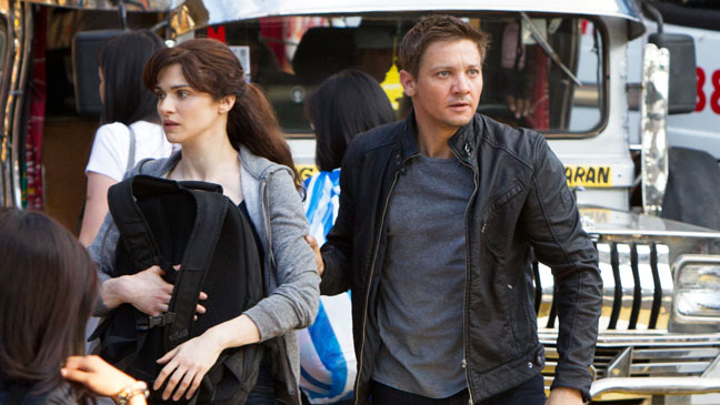 The Bourne Legacy Renner Weisz in Crowd - H 2012
