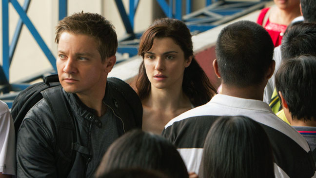 The Bourne Legacy Renner Weisz in Crowd 2 - H 2012
