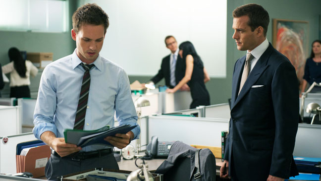 Suits EP 210 High Noon Adams Macht - H 2012
