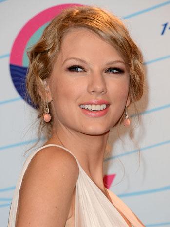 Taylor Swift Teen Choice Awards - P 2012