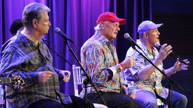 Beach Boys Performing (Close Up) - H 2012